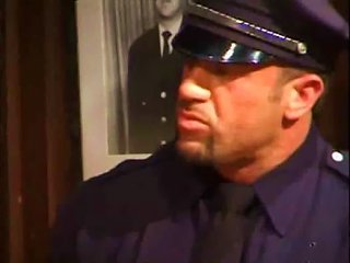 Policia Follando Con Un Preso